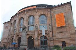 Freiburg: Backstage im Theater