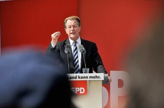 Franz M�ntefering wirbt in Freiburg f�r die SPD