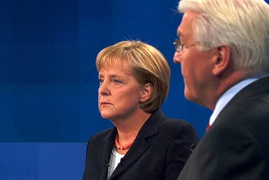 Fotos: Das TV-Duell Merkel gegen Steinmeier