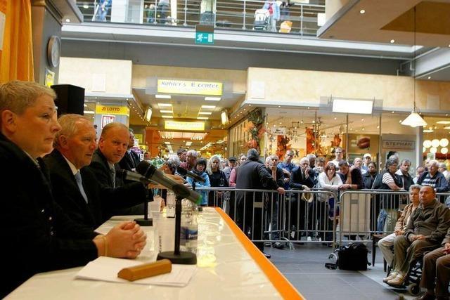 Schäuble-Wahlkampf in der Lahrer Arena