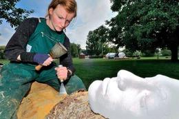 Fotos: Bildhauer-Symposium im Bürgerpark Kenzingen