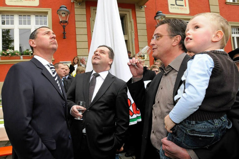 Ministerpräsident Mappus eröffnet die Heimattage offiziell - Badische Zeitung TICKET