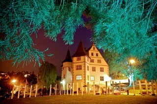 Firma Hiller weiht neues Domizil im Schloss Schmieheim ein