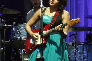 Norah Jones beim Stimmen-Festival: Die zur�ckhaltende S�ngerin