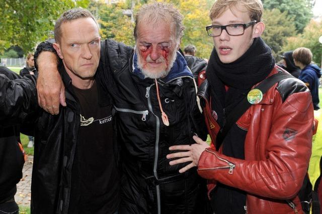 Zwei Demonstranten fürchten um ihr Augenlicht