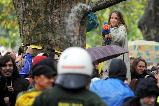 S21: Polizei räumt Pannen bei Demo-Einsatz ein