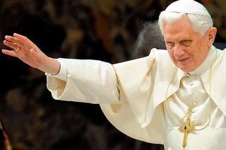 Papstbesuch: Benedikt XVI. landet und startet in Lahr