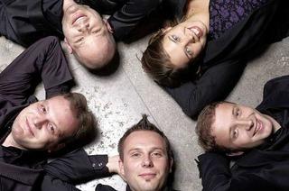 Stimmen 2011: Wenn sich Klänge im Raum verweben