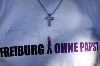5000 Unterschriften gegen Papst-Eintrag ins Goldene Buch
