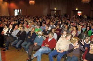 Acht Bewerber vor mehr als 800 Zuhörern