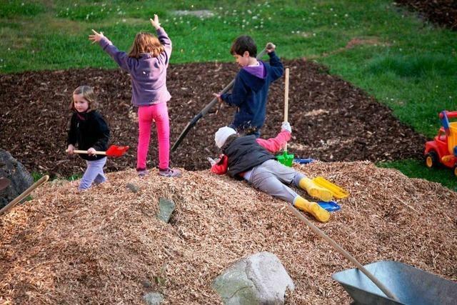 Kinder gestalten eigenes Areal auf der Chrysanthema