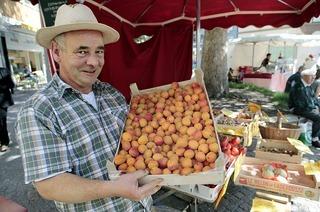 """Der """"kleine Franzose"""" auf dem Markt"""