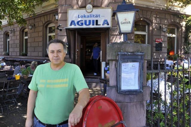 Marokkanische Küche im Aguila: Pikante Merguez unterm Blätterdach