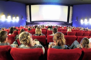 "<span class=""ngRot"">Ins Kino gehen:</span> Ganz ohne Mitdenken"