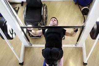 Gewichtheber Gennadij Neb: Von der Lust an der Last