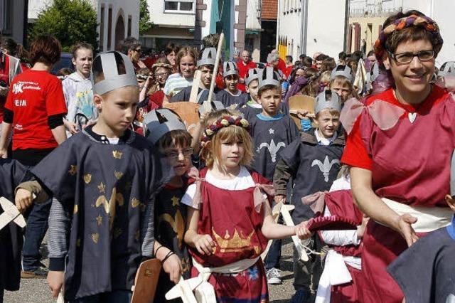 100 Burgfräuleins, Knappen, Ritter