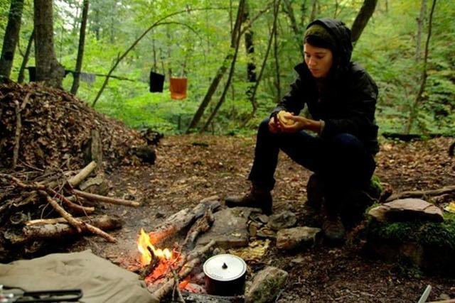 Einsam im georgischen Wald (6)