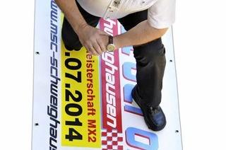 Roland Fischer - der Laie, der beim Motocross Schweighausen als Motor fungiert