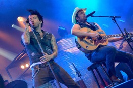 Fotos: The BossHoss rocken in Lörrach
