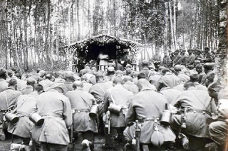 "Kirche im Krieg: ""Als junger Priester bedeutete Krieg auch Abenteuer"""