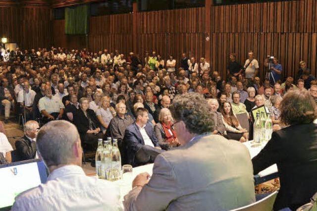 Bürgermeisterwahl: Kandidatenvorstellung in vollbesetzter Halle