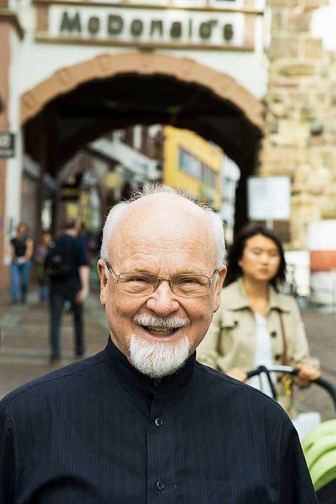 Konrad Kunze forscht 1,2 Millionen Familiennamen nach - Badische Zeitung TICKET