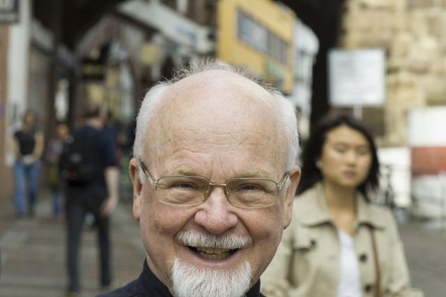 Konrad Kunze forscht 1,2 Millionen Familiennamen nach