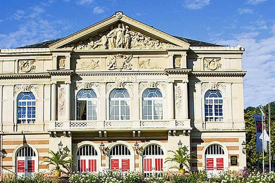 www.theater-baden-baden.de