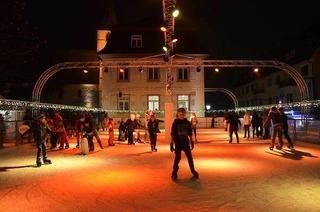 Eisbahn auf dem Markgräfler Platz