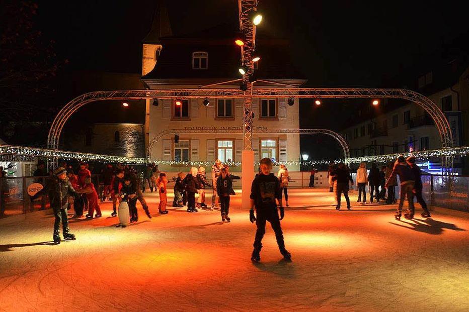 Eisbahn auf dem Markgräfler Platz - Müllheim