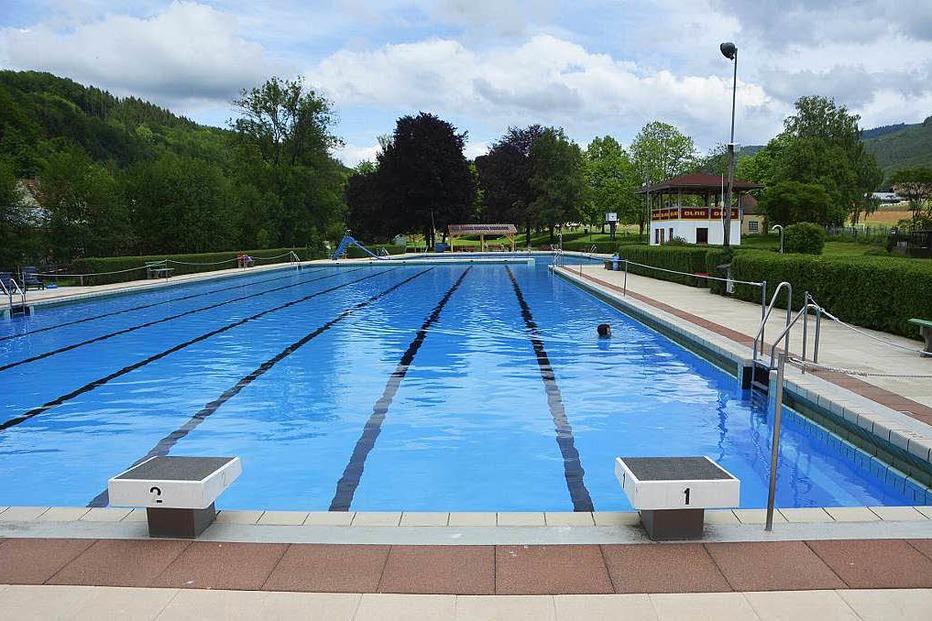 Schwimmbad - Elzach