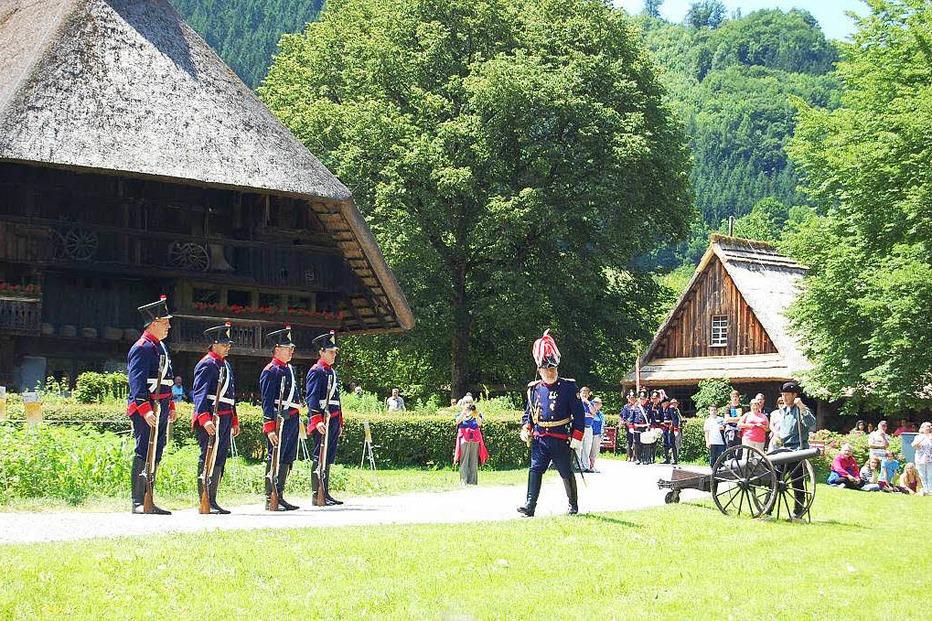 Schwarzwälder Freilichtmuseum Vogtsbauernhof - Gutach (Schwarzwaldbahn)