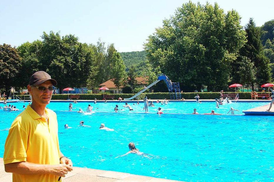 Schwimmbad - Steinen