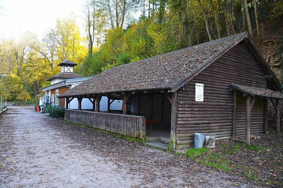 Grillschopf Erdmannshöhle - Hasel