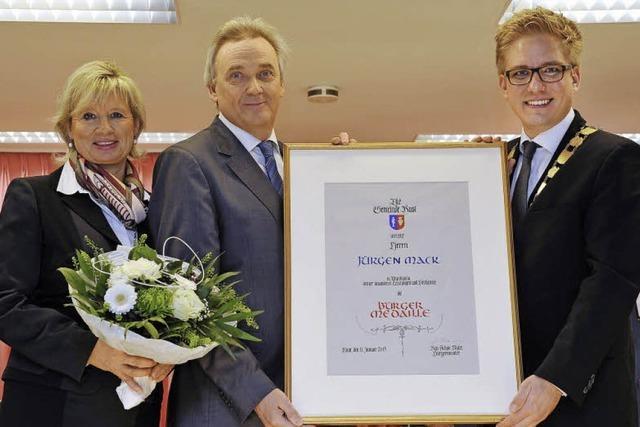 Jürgen Mack erhält Bürgermedaille der Gemeinde Rust