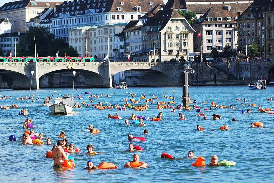 Rheinschwimmen (beim Museum Tinguely) - Basel