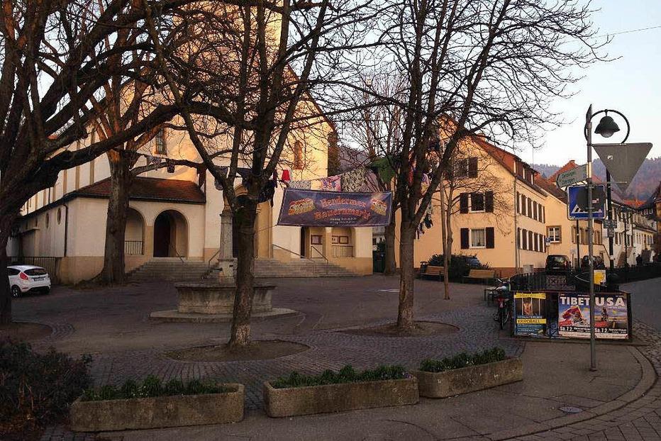 Kirchplatz Herdern - Freiburg