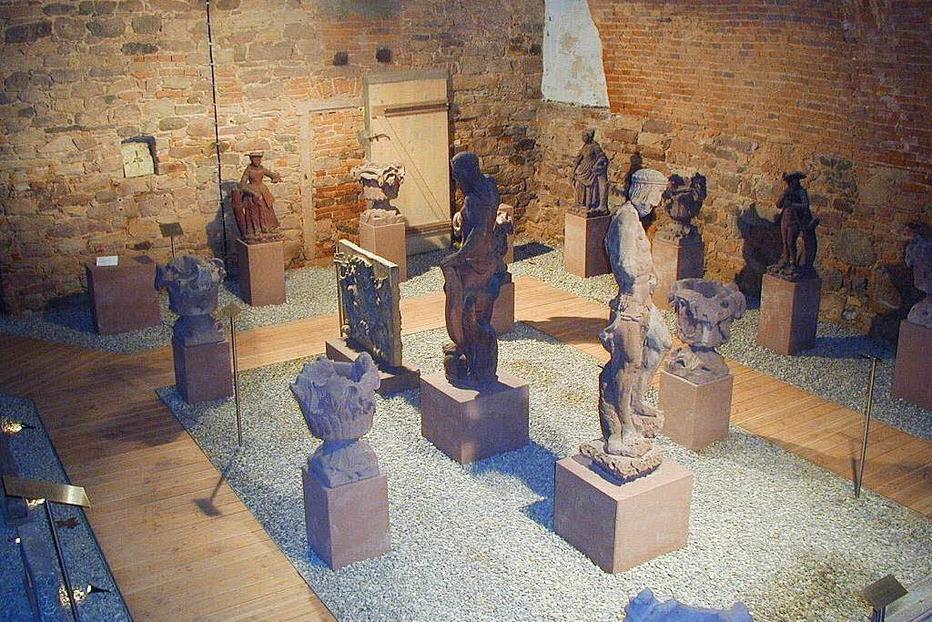 Lapidarium im Garten des Vinzentiushauses - Offenburg