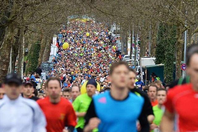 Läufer trotzen beim 12. Freiburg-Marathon Wind und Wetter