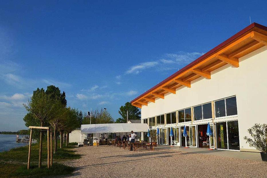 Eventhalle und Restaurant am Rhein - Breisach