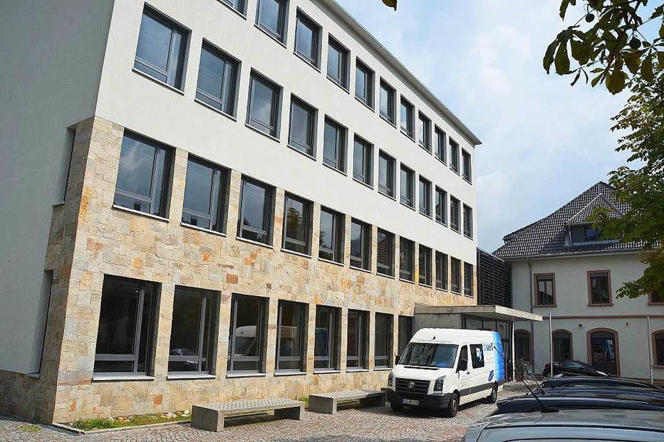 Gymnasium - Sch�nau