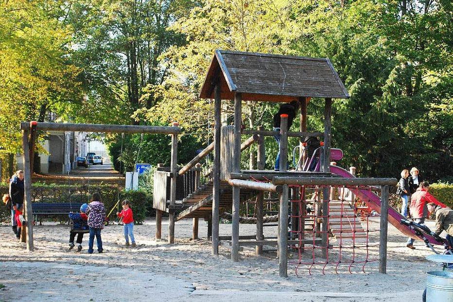 Spielplatz im Rosenfelspark - Lörrach