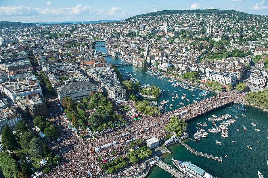 Ufer am Zürichsee (Street Parade) - Zürich
