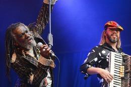 Fotos: Die Rosenfelsparkkonzerte beim L�rracher Stimmenfestival