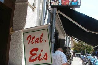 Eiscaf� Etna