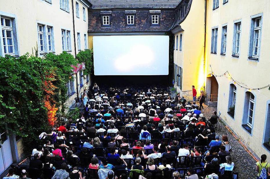 Sommernachtskino im Schwarzen Kloster (Innenhof) - Freiburg