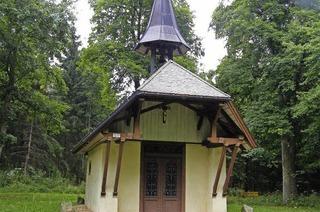 Eine Kapelle, zwei Geschichten