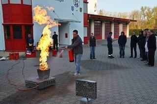 Zentrales Feuerwehrger�tehaus Bamlach