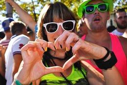 Fotos: So bunt feierte Zürich die Streetparade 2015