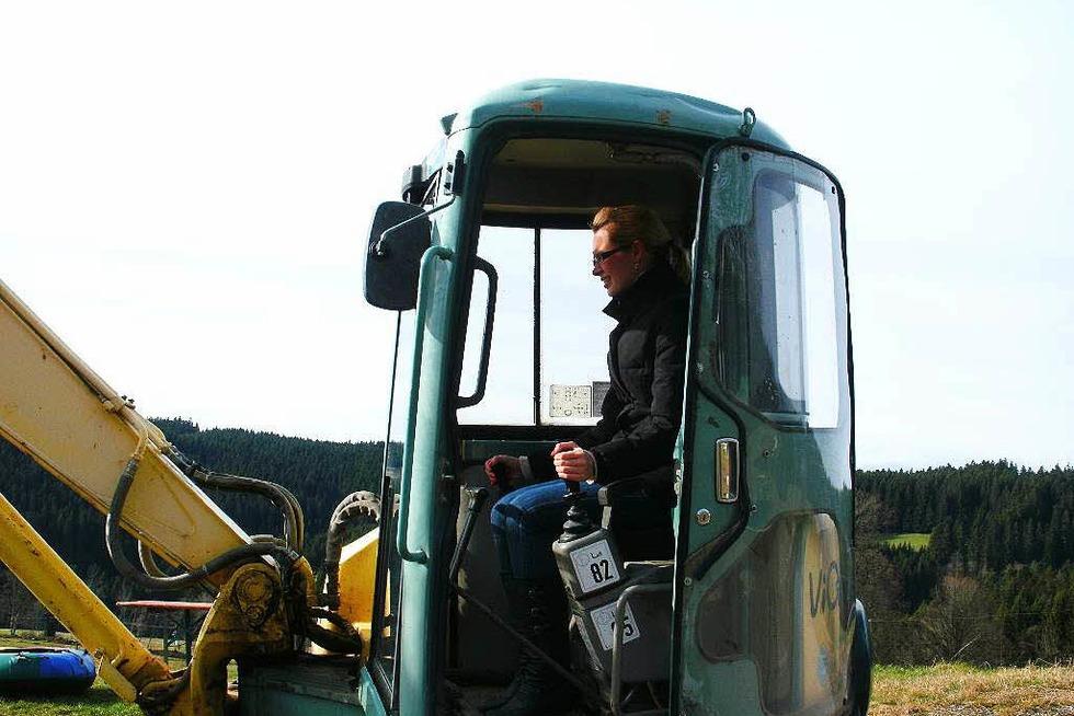 Baggerfahren auf dem Haberjockelshof - Titisee-Neustadt